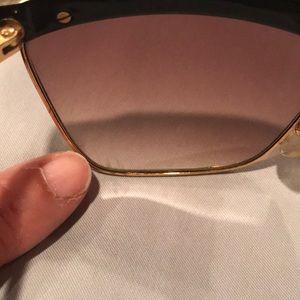 Laura Biagiotti Accessories - Vintage women's Laura Biagiotti sunglasses